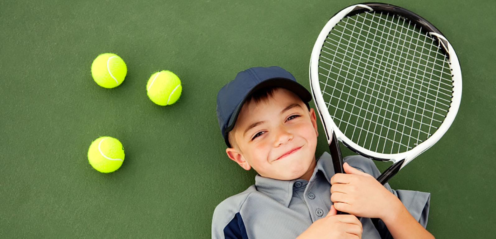 Lăsati copiii să vină la tenis!